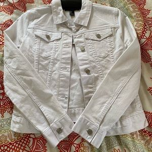 🤍HP: NWT Forever 21 White Jean Jacket